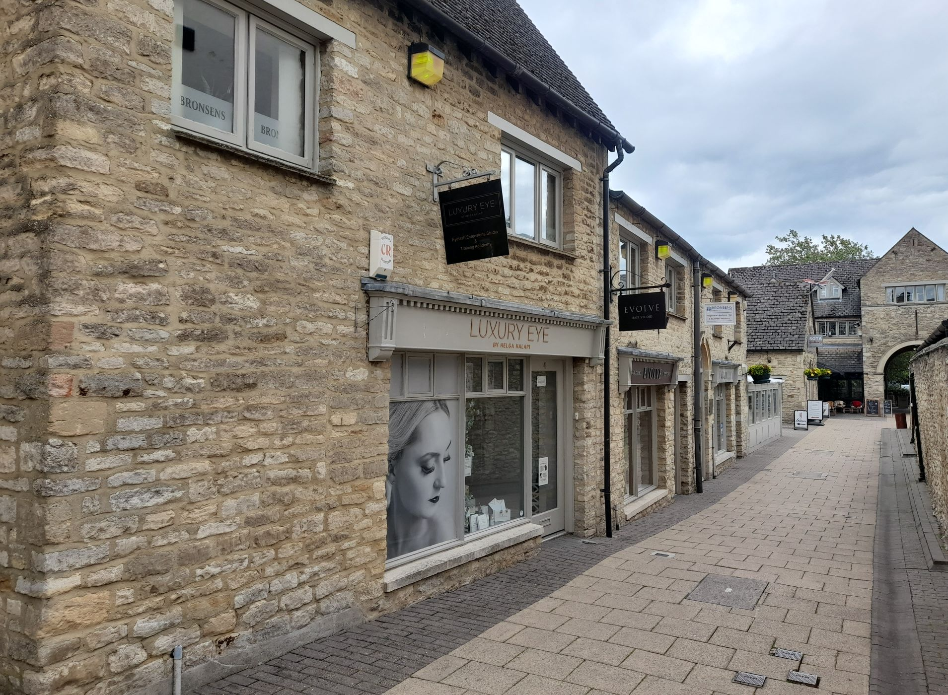 Witney shop to let