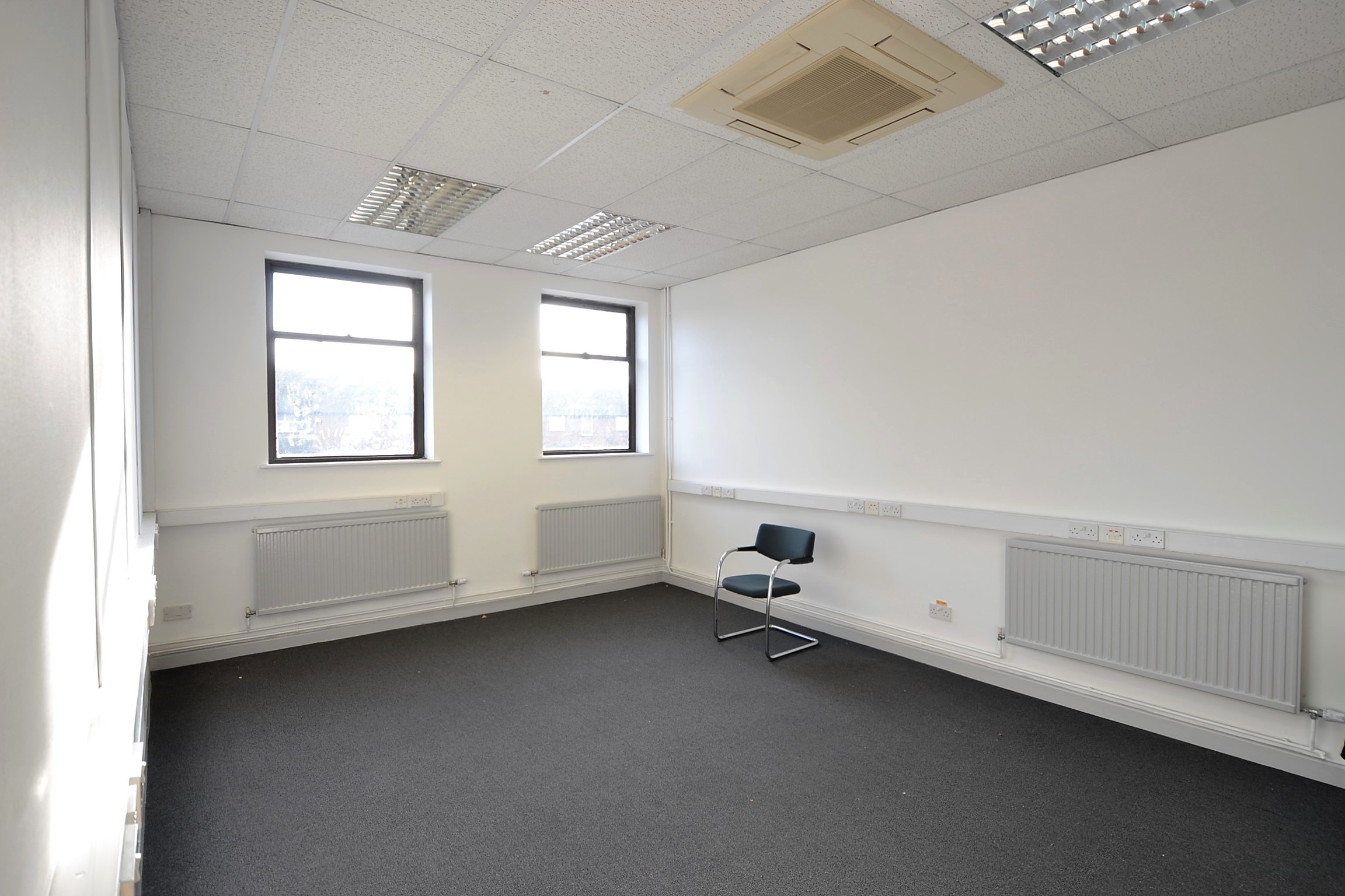 Offices 1A, 5/6 Market Place, Didcot, Oxfordshire OX11 7LE